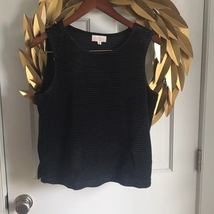 Basic Threads cropped top in velvet!